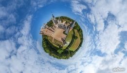 Château du Moulin. Planet